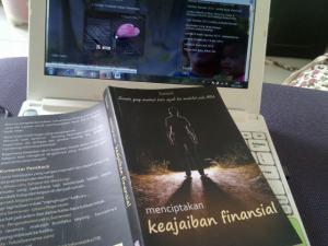 me and buku menciptakan keajaiban finansial