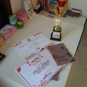sertifikat penulis terbaik anakku inspirasi sd sabilina 2015