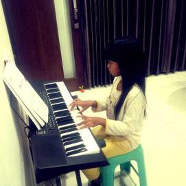 icha_dengan piano