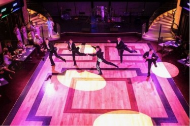 pertunjukan ballroom